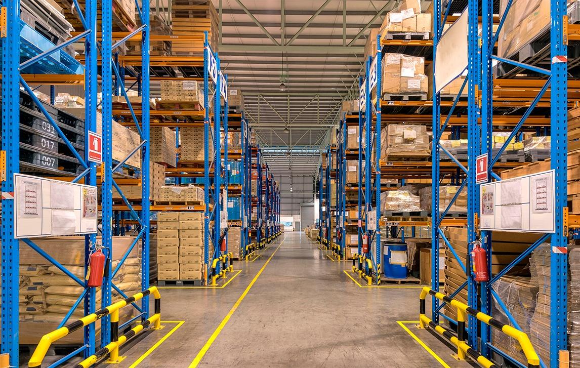 ¿Cómo gestionar y organizar los artículos de almacén?